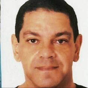 Foto do palestrante: um homem branco, de olhos e cabelos escuros